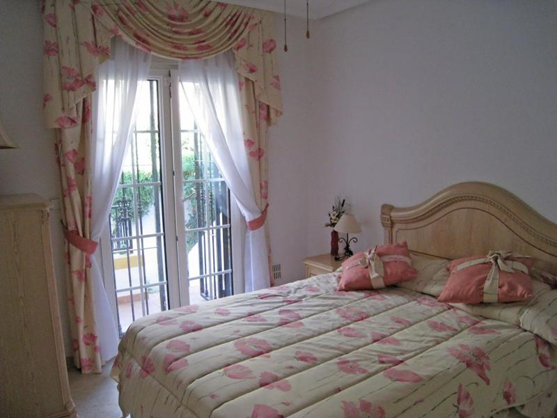 Spain 4 Bed Villa in San Miguel de Salinas For Sale €699,000