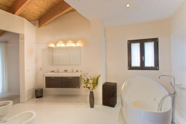 Spain 10 Bed Villa for sale in East Estepona €5,450,000