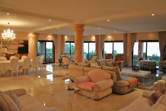 Spain 5 Bed Villa for sale in Marbella €2,500,000