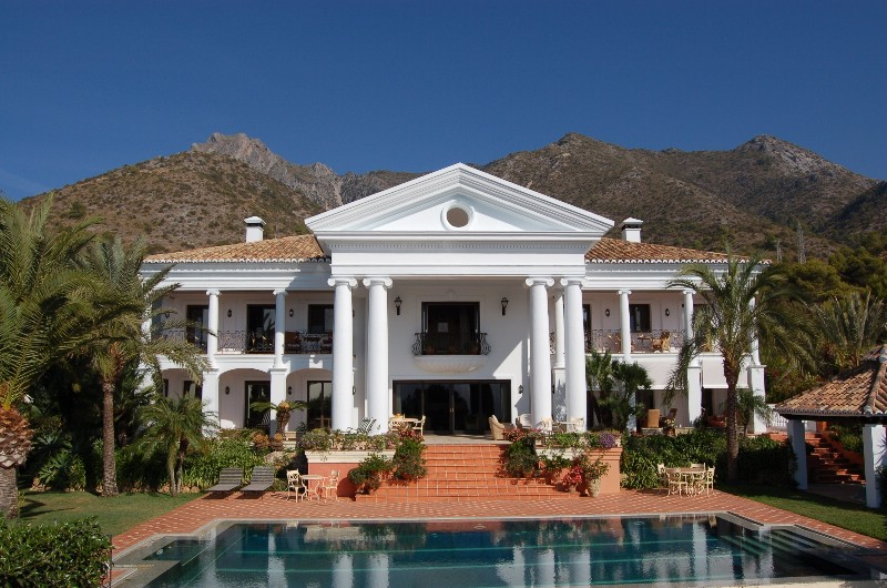 Spain 8 Bed Villa for sale in Marbella West, Marbella €3,990,000