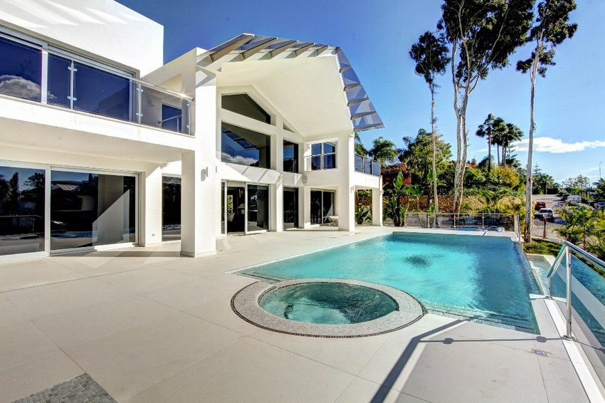 Spain New 5 Bed Villa for sale in Marbella West, Marbella €2,995,000
