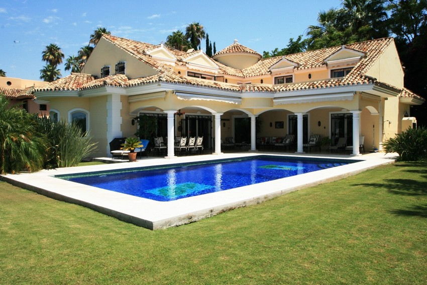 Spain 5 Bed Villa for sale in Marbella €2,800,000