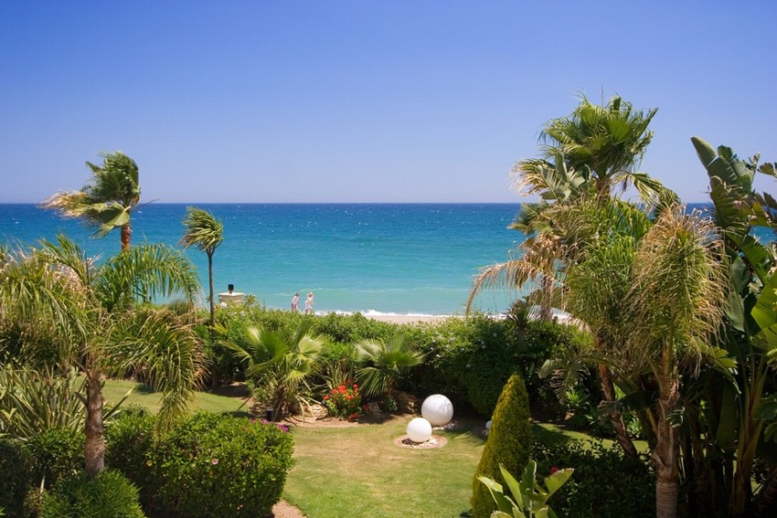 Spain 3 Bed Apartment for sale in Marbella €3,950,000