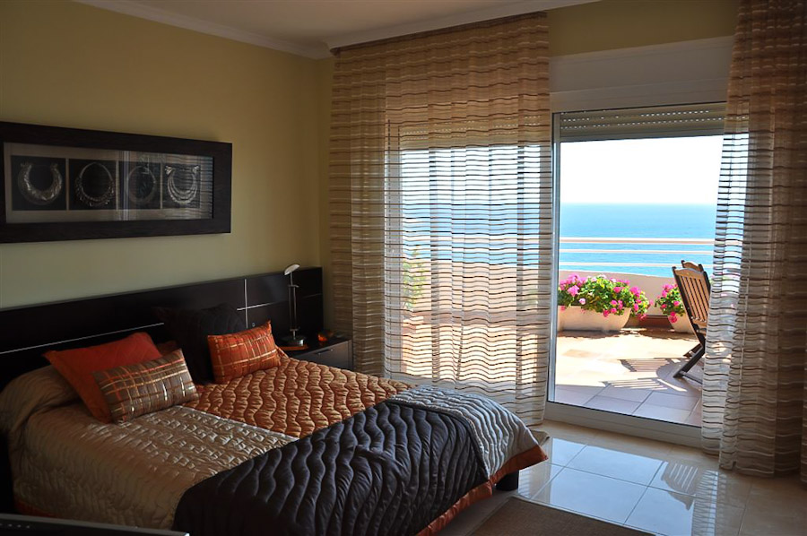 Luxury Beach front 3 bedroom duplex property for sale in Calpe €785,000