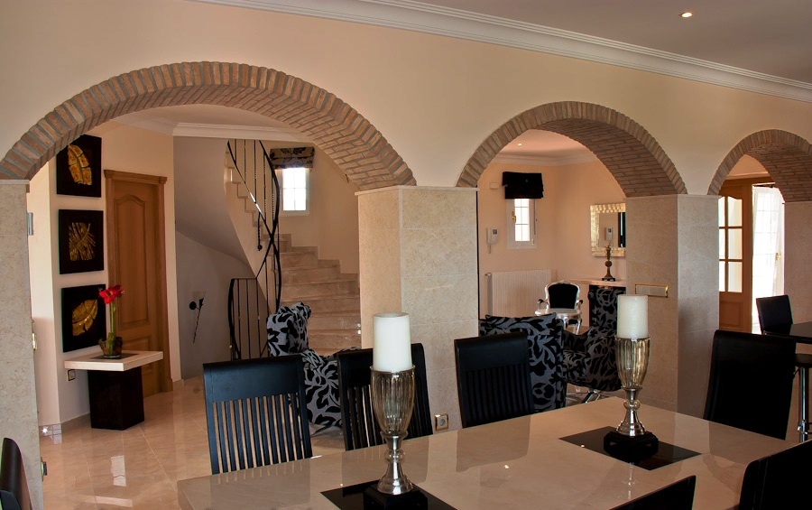 Luxury 4 Bed Villa in Valencia. Option of an extra 2500m2 plot next door €850,000