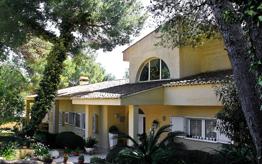 Magnificent 600m2 9 bedroom property for sale in Valencia Spain €650,000