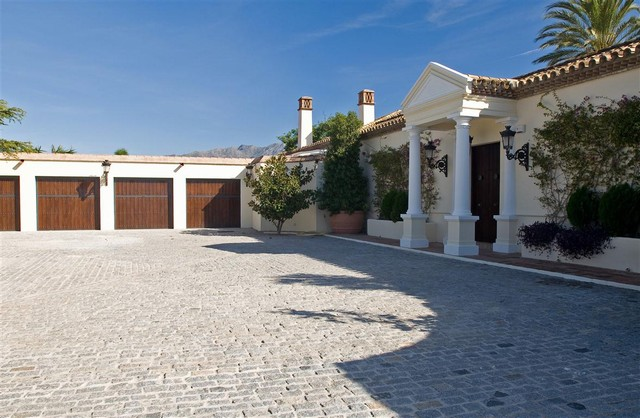 7 Bedroom Villa for sale in Benahavís, Málaga, Spain €5,500,000