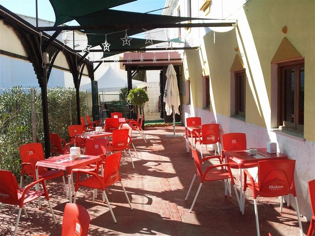 10 Bedroom Hotel Bar & Restaurant for sale in Alora, Málaga, Spain €850,000